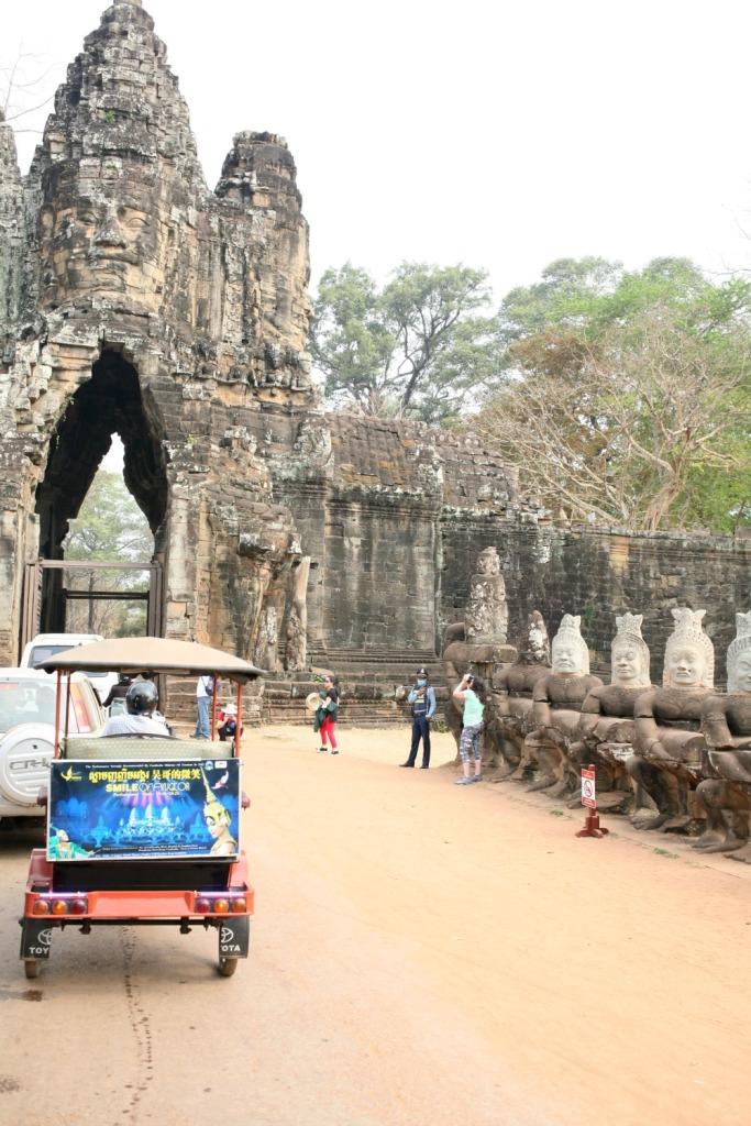 The road to Angkor Thom